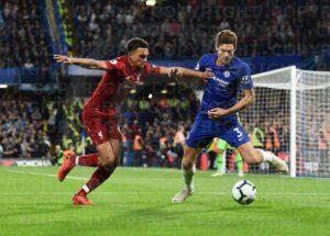 O desempenho físico no futebol muda conforme o estilo de jogo?